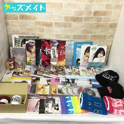 声優 グッズ 小倉唯、伊藤美来、高野麻里佳 他、ブレード、DVD、CD、キャップ、写真集 他 買取