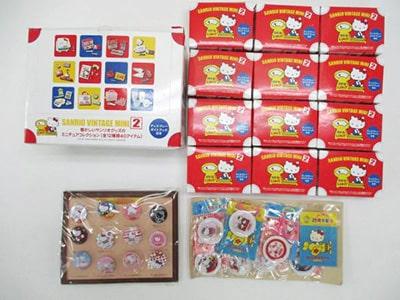 懐かしいサンリオグッズのミニチュアコレクション(全12種) / ハローキティ25周年記念絵皿 買取